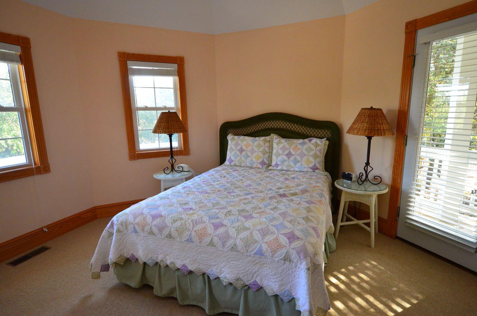 Sunshine - Master Bedroom 3