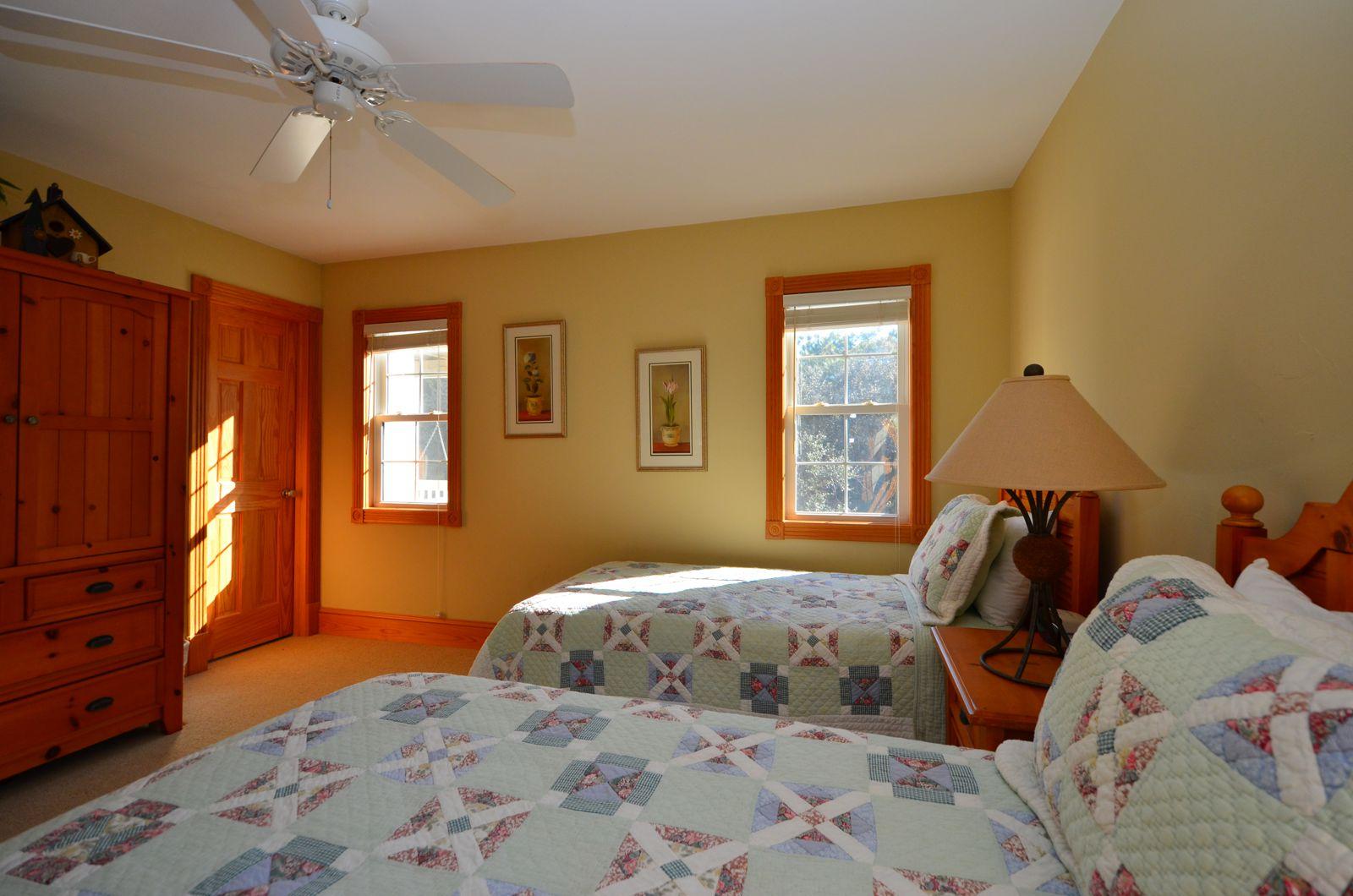 Sunshine Master Bedroom 4 Sunshine A Corolla Vacation Rental