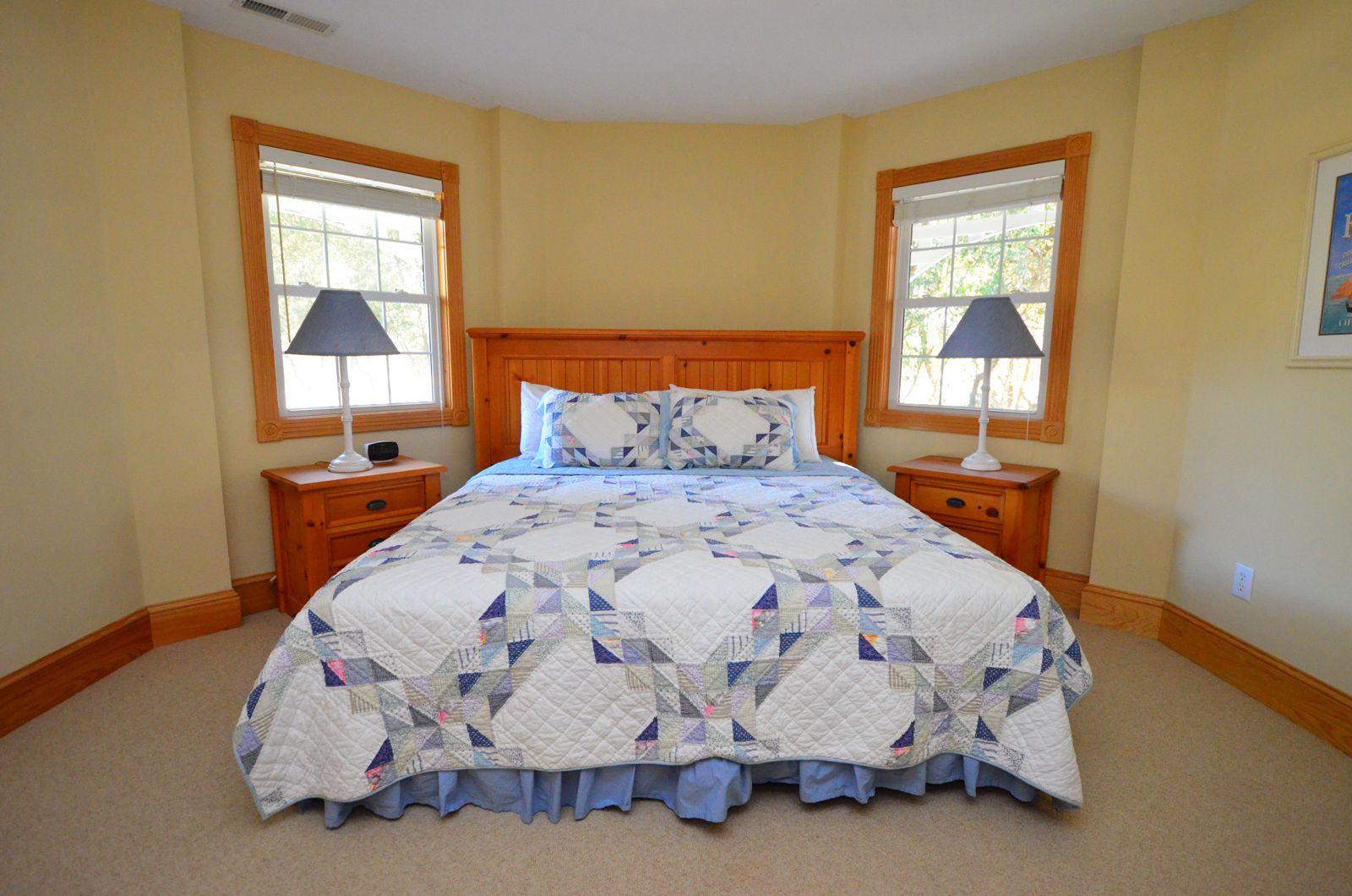 Sunshine - King Bedroom