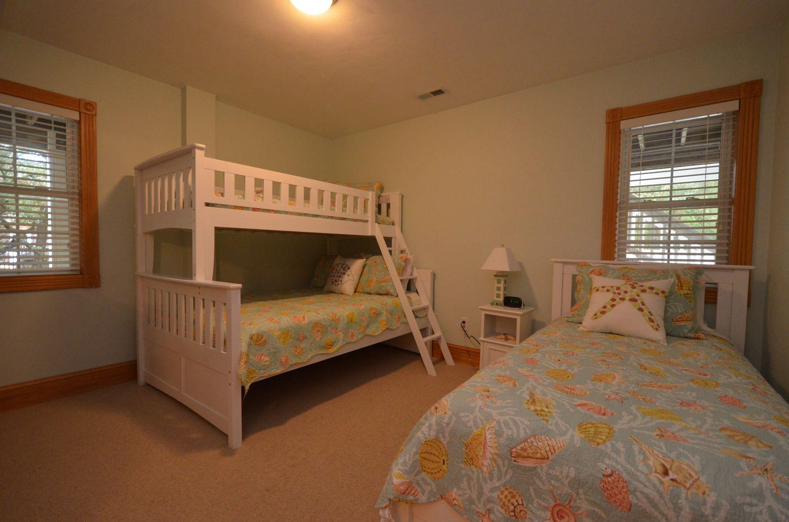 Sunshine - Bunk Bedroom
